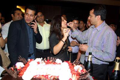 kahaani movie success party cute stills