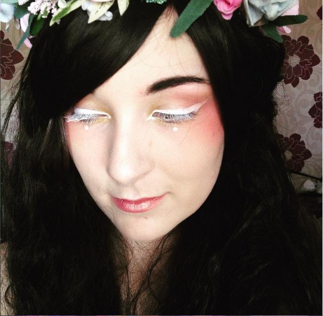 white eyeliner illamasqua lime crime wig crimped wig fairy faerie flower crown floral crown kawaii cute simple white eyelashes white mascara make up alternative