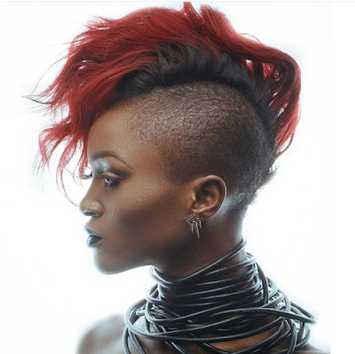 IS EVA ALORDIA THINKING OF A SIGNATURE HAIR CHANGE?