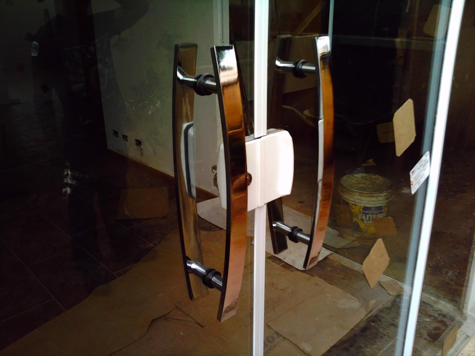 #654322 AF4 TEMPER VIDROS: Portas pivotante e janelas vidro pontilhado 246 Janelas De Vidro Pivotantes