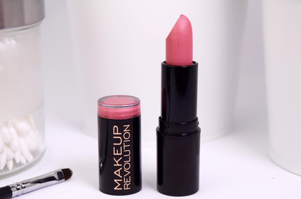 Makeup Revolution 'Dusky' Lipstick Review