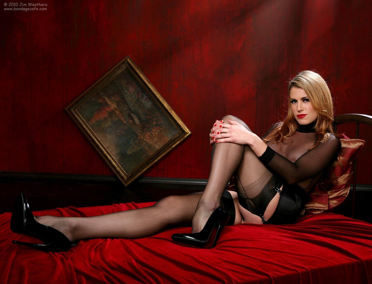 Sm crossed legs pictures femdom