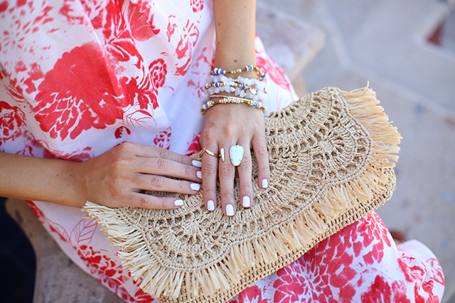 Love this straw clutch for vacation