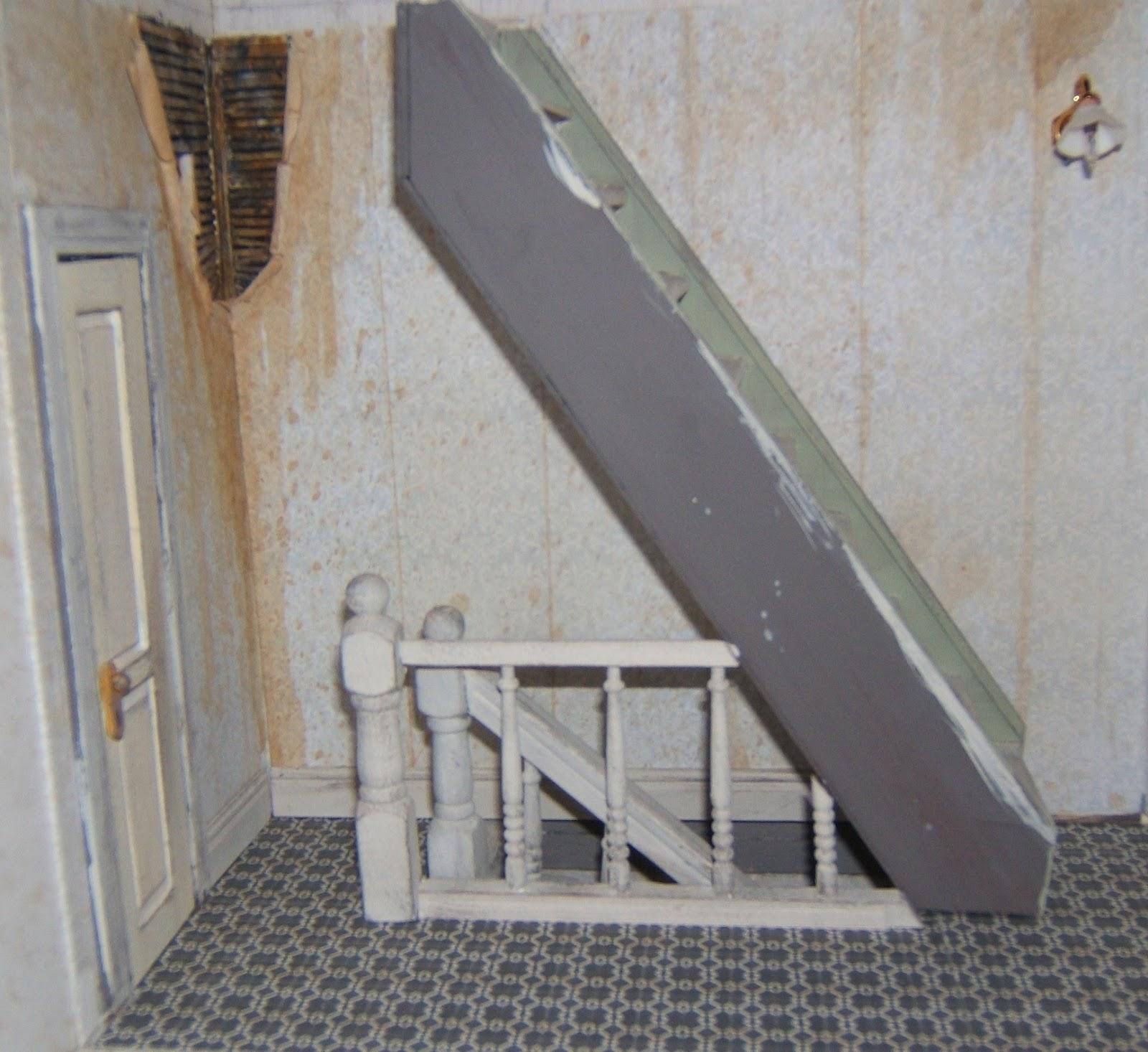 http://2.bp.blogspot.com/-RhRRoIdqYVU/ULPUg4libaI/AAAAAAAABRE/EnJBFJ_nSCE/s1600/hallway+w+balustrade.jpg