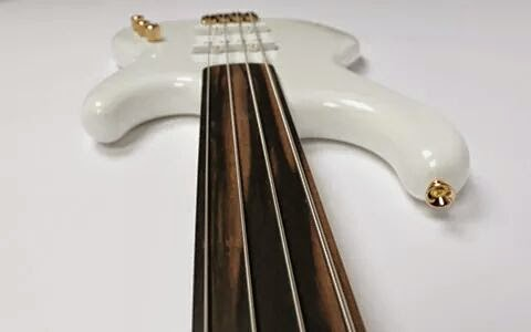 "#Bass Luthman basses Jazzette ""Pure White"" #fretless"