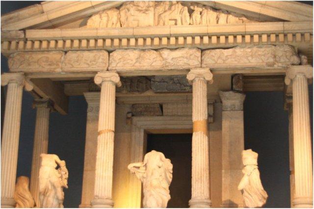 Templo griego, Monumento de las Nereidas en el British Museum, Museo Britanico en Londres