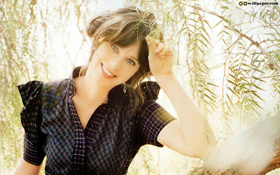 Zooey Deschanel Most Hot Wallpaper