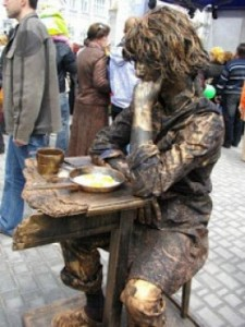 lomba patung, unik, aneh