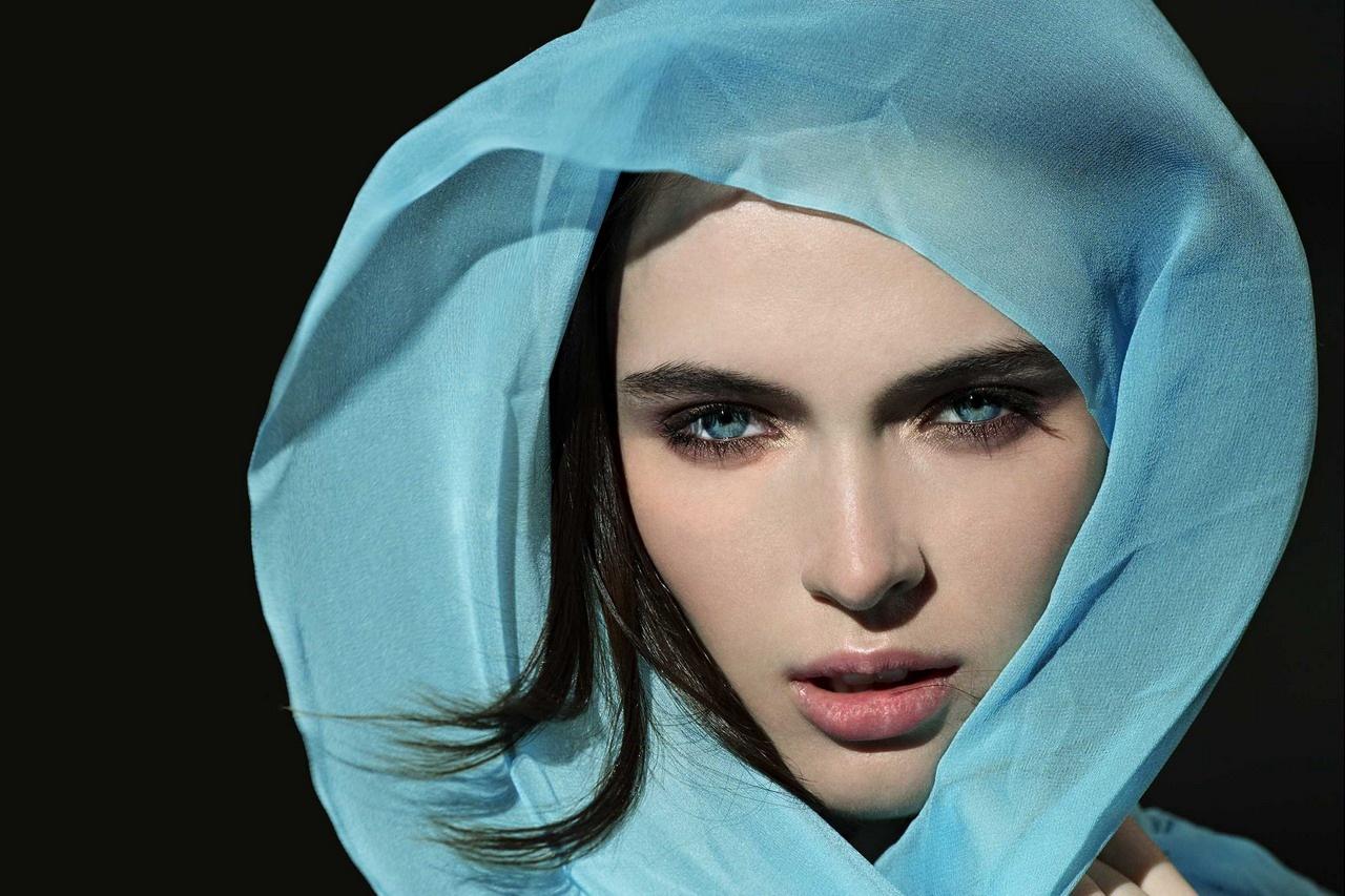 http://2.bp.blogspot.com/-RiE3Qo7drSY/TiMDspwkSoI/AAAAAAAADfI/UM7COp-01TI/s1600/Fashion+Style+Models+Photos+%25284%2529.jpg