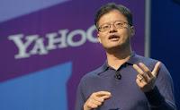 Yahoo! Inc didirikan oleh dua orang alumni Universitas Stanford yakni Jerry Yang Chih-Yuan (lahir 6 November 1968, adalah pengusaha berdarah Amerika-Taiwan) dan David Filo (lahir di Wisconsin, Amerika Serikat, 20 April 1966).  Awal tahun 2012, Jerry Yang akhirnya meninggalkan Yahoo, perusahaan yang didirikannya sejak 1995. Ia meninggalkan Yahoo sepenuhnya, tidak ada lagi posisi yang dipegangnya di sana, termasuk kursinya di dewan direksi. Hal ini dilakukan hanya dua minggu setelah Yahoo memilih CEO baru, Scott Thompson. Ia memiliki 3,69 persen saham Yahoo, sedangkan David Filo yang juga pendiri Yahoo memiliki 6 persen. Jumlah itu berdasarkan data April-Mei 2011.  Yahoo! pada awalnya hanyalah semacam bookmark (petunjuk halaman buku), ide itu berawal pada bulan April 1994, saat itu dua orang alumni Universitas Stanford (Jerry Yang Chih-Yuan dan David Filo) mendapat liburan ketika profesor mereka pergi ke luar kota karena cuti besar. Dua mahasiswa teknik tersebut hanya mempunyai sedikit pekerjaan yang harus dilakukan selain menjelajah internet. Mereka tidak membutuhkan waktu lama untuk mengkompilasi sebuah daftar bookmark yang besar, yang dikelompokkan berdasarkan subyek. Kemudian mereka berpikir untuk memasukannya di web, dan mulai bekerja membuat sebuah program database untuk menanganinya sehingga dapat memberikan hasil secara online.