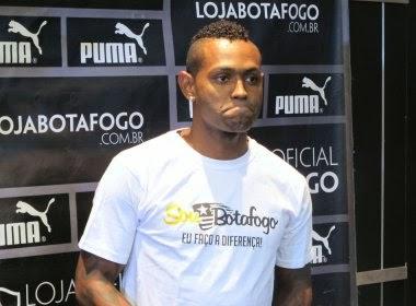 Jobson do Botafogo é suspenso por quatro anos pela Fifa