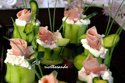 bocconcini di cetrioli e prosciutto