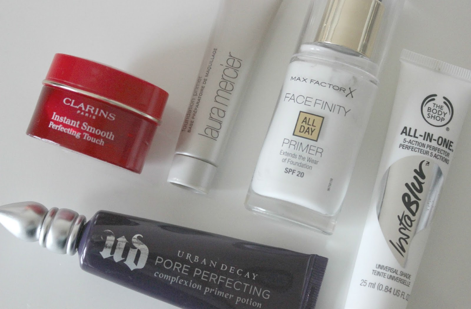 A picture of primers for oily skin