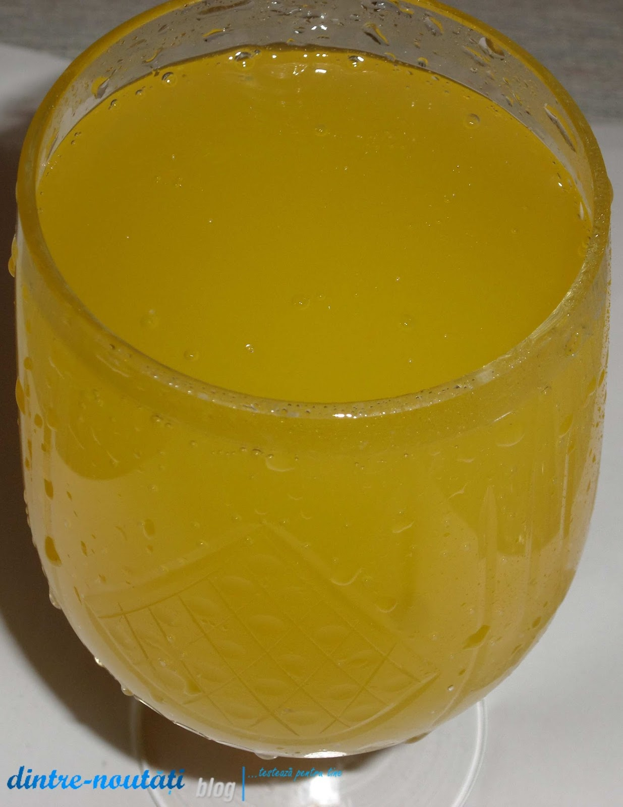Băutură Fanta Zero 330 ml răcoritoare carbogazoasă cu suc de portocale și îndulcitori