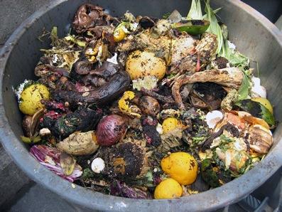 Компостер Compost Bin, с крышкой (TUMBLEWEED), 400л