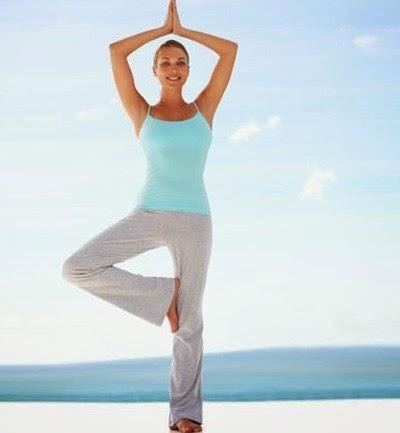 Postura del árbol de Yoga