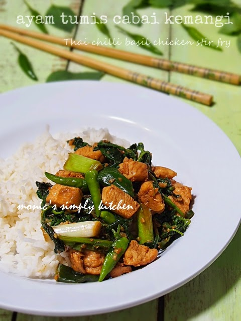 resep thai chilli basil chicken stir fry