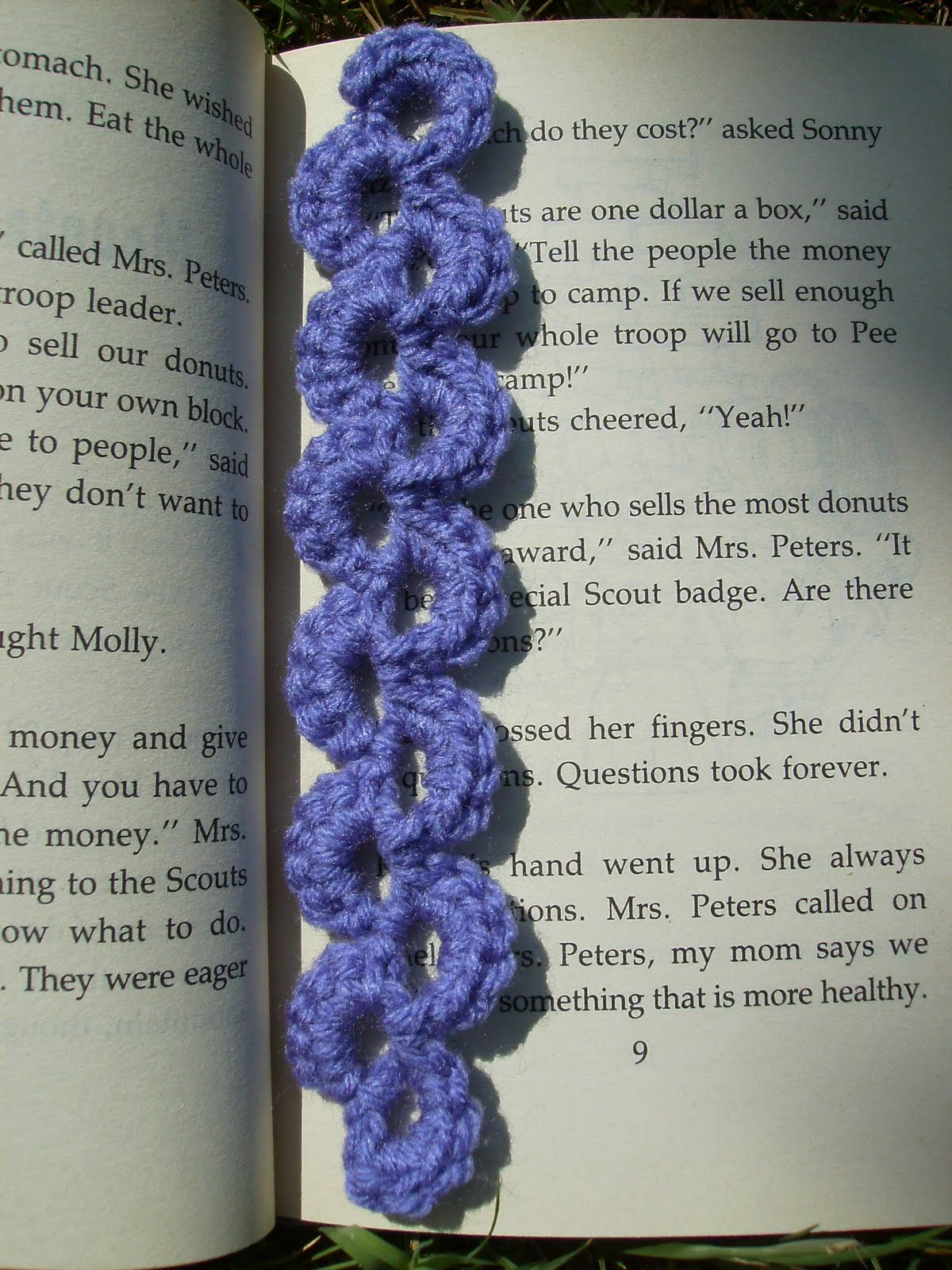 Crochet Patterns Bookmarks : Scrap Yarn Crochet: Free Lavender Lace Bookmark Crochet Pattern