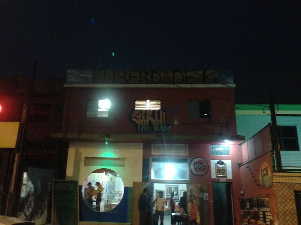 Teatro-jornal, o Sarau