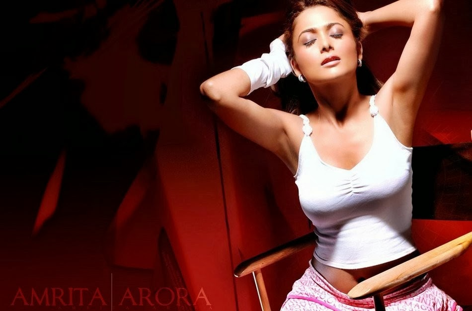 Top Ten Hottest Selfies of South Indian Actress Andrea