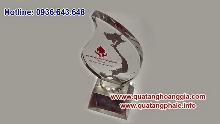 Kỷ niệm chương chính là những sản phẩm quà tặng dành cho các chương trình sự kiện hay hội nghị