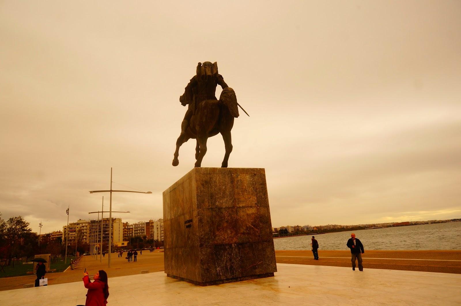 Памятник-Македонскому-Салоники