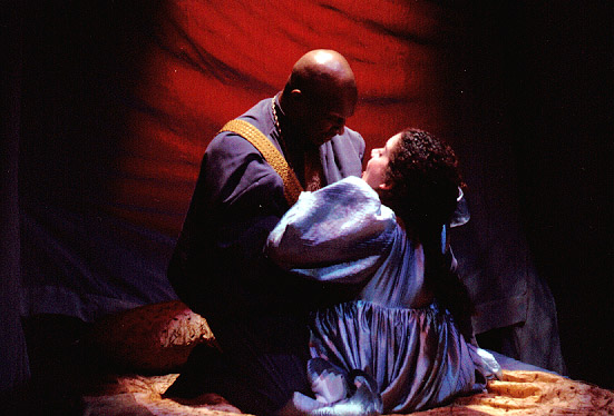 who is responsible for emilia s and desdemona s death in othello Othello's responsibility for desdemona's death othello is one of shakespeare's most popular plays its controversial issues and passionate characters excite audiences around the world.