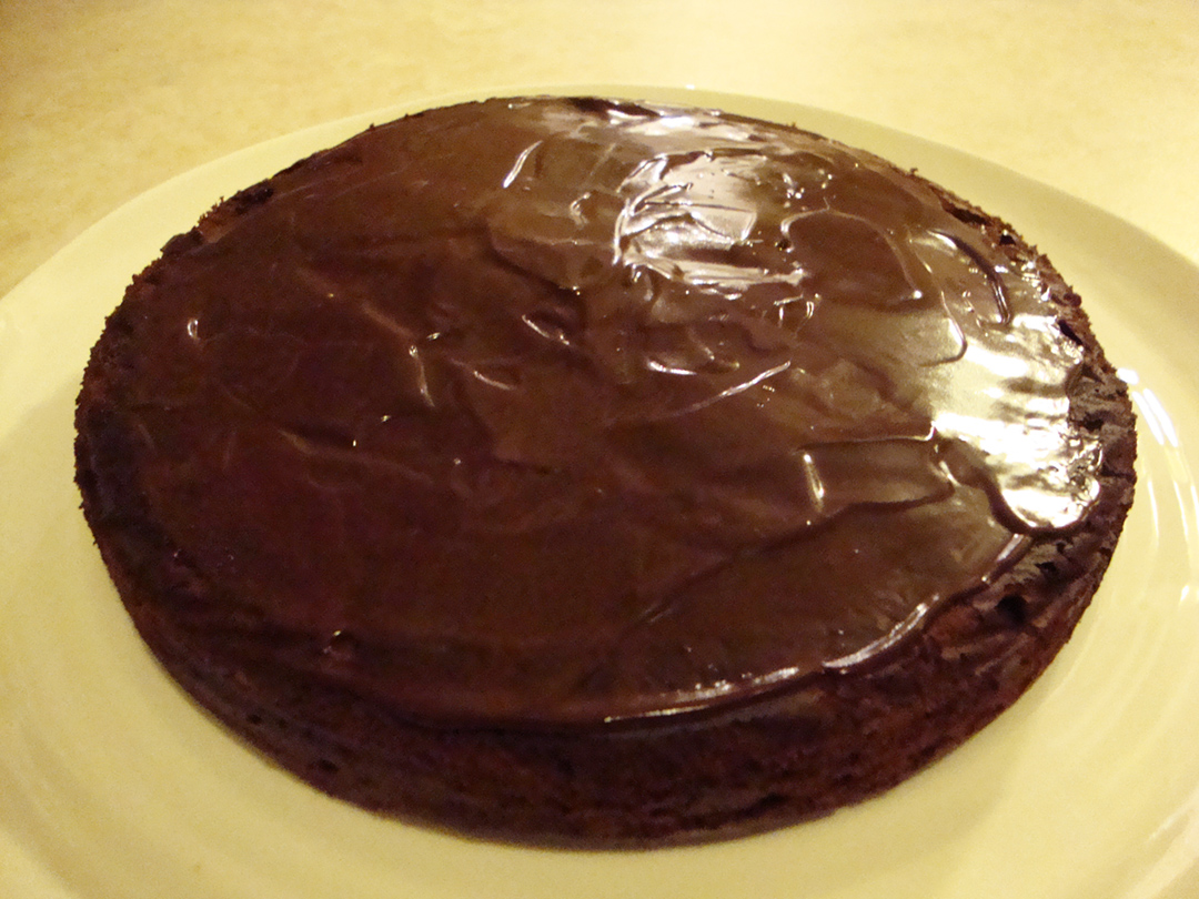 simple glazed chocolate cake recipe simple glazed chocolate cake ...