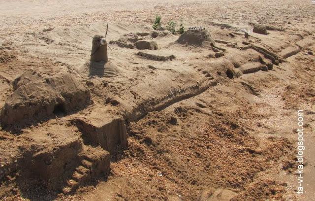 из песка