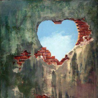 Y construyamos amor, aún en los muros más desiertos!