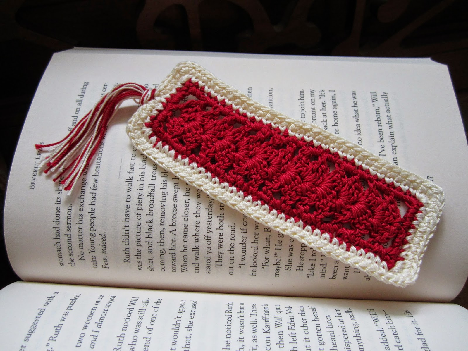 https://www.etsy.com/listing/188427828/scalloped-crocheted-bookmark-with-tassel?ref=shop_home_active_11