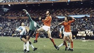 Pese al esfuerzo de Fillol , Naninga iguala la final Argentina Holanda 1978