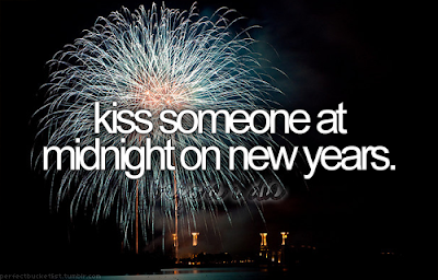 kiss someone at midnight on new years eve in Sydney