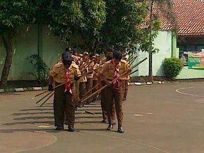 Demo - Ekskul Pramuka Tahun 2012-2013 - Pramuka MAN 6 Jakarta TimurDemo - Ekskul Pramuka Tahun 2012-2013 - Pramuka MAN 6 Jakarta Timur