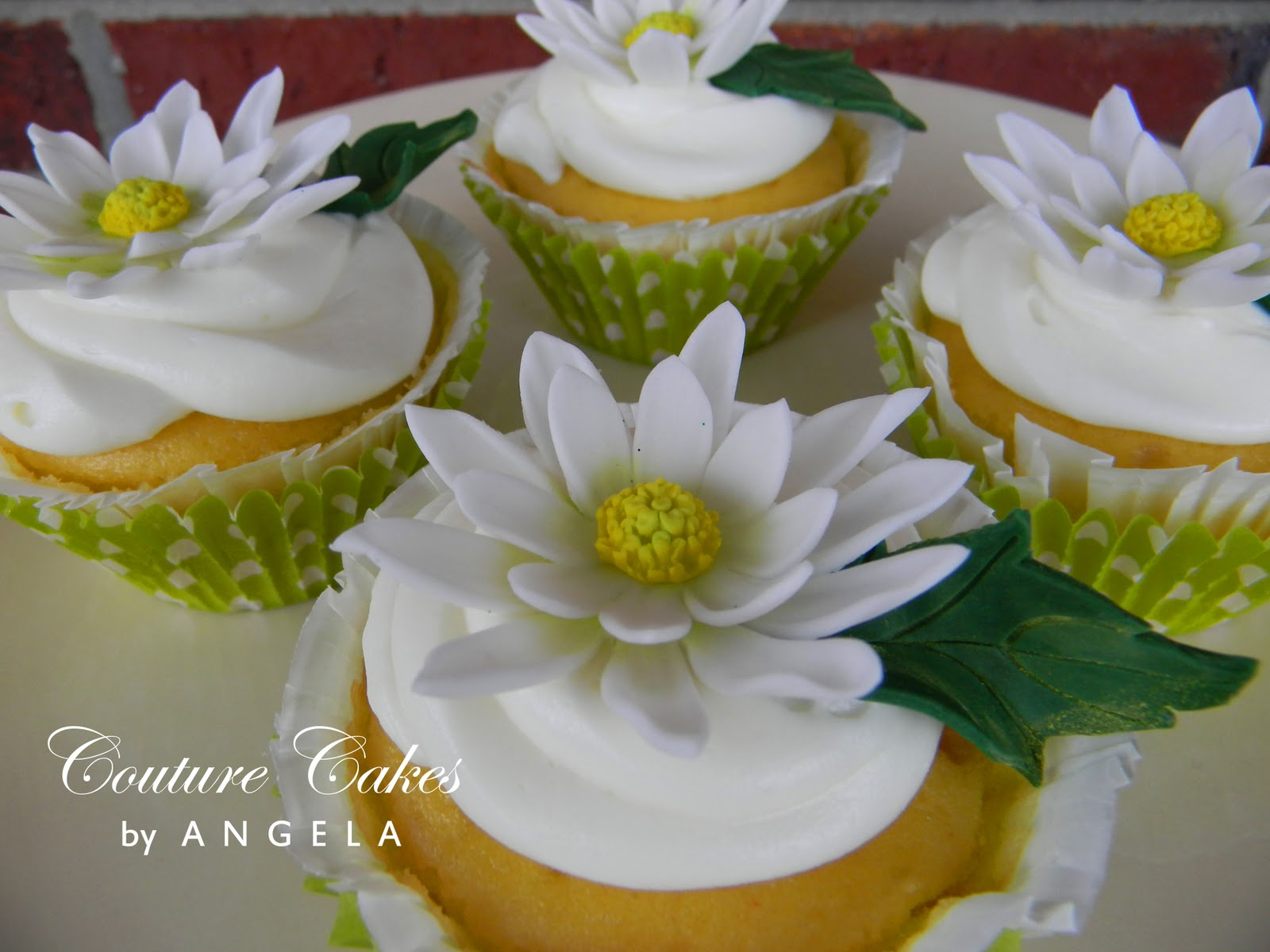 Couture Cakes by Angela Spring Daisies