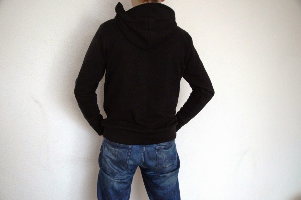 Omni tempore hooded sweater for men- huisje boompje boefjes