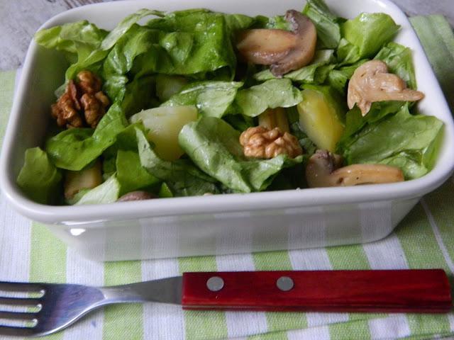 salata de ciuperci :