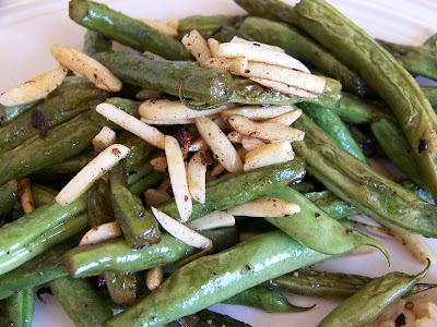 Green beans sauteed with almonds