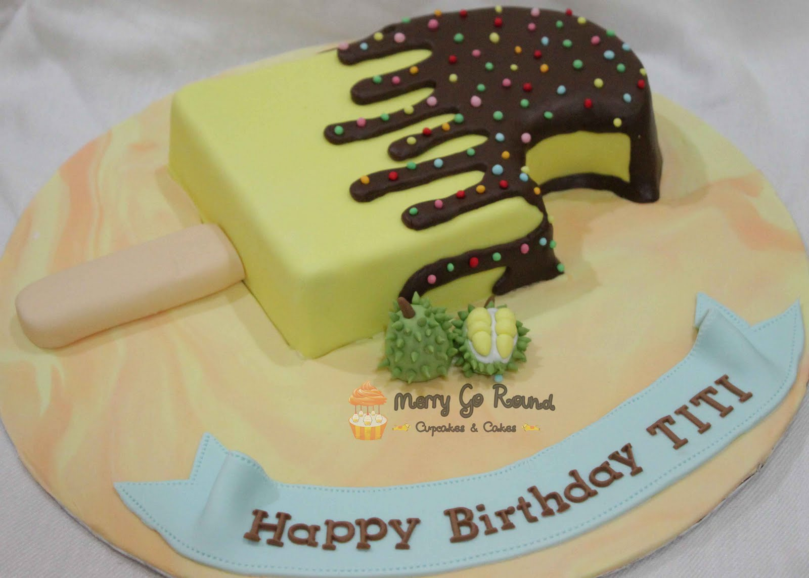Merry Go Round - Cupcakes & Cakes: Durian Ice Cream Shaped ...