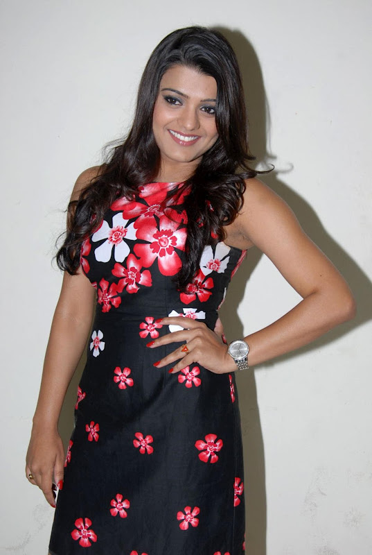 Tashu Kaushik Photo Gallery unseen pics