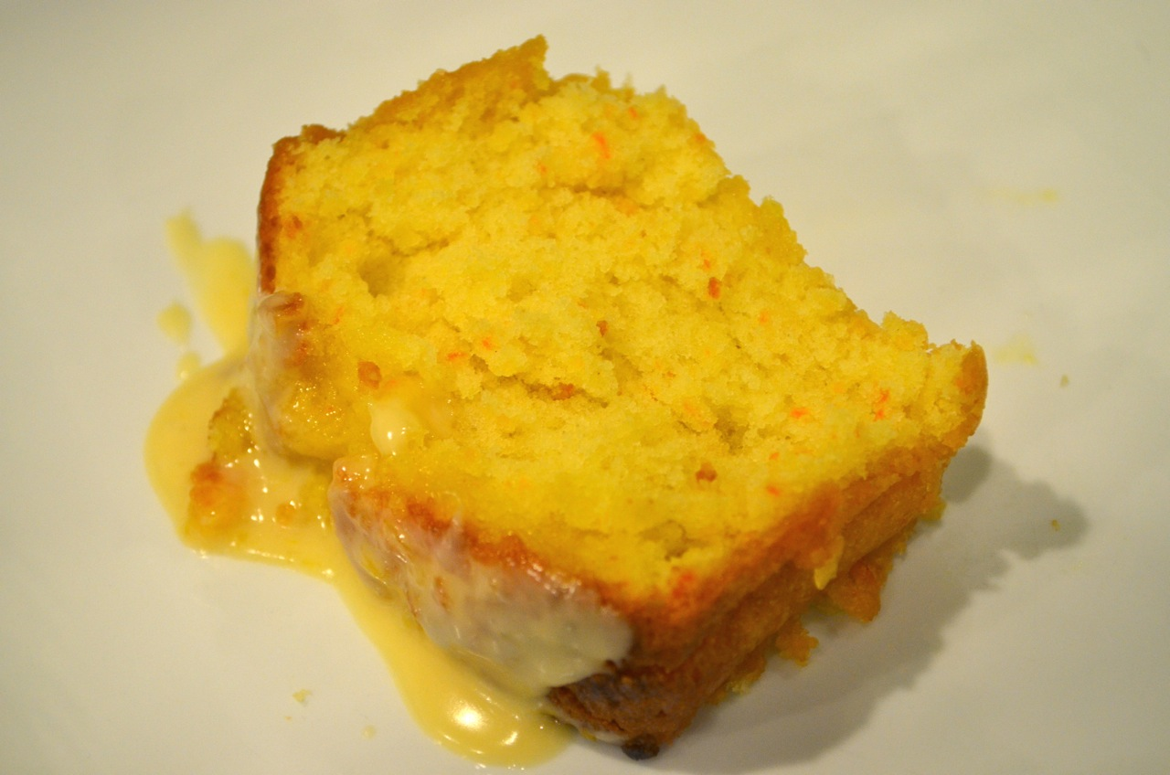 Living Deliciously in LA: Bake: Moist and Delicious Orange Cake