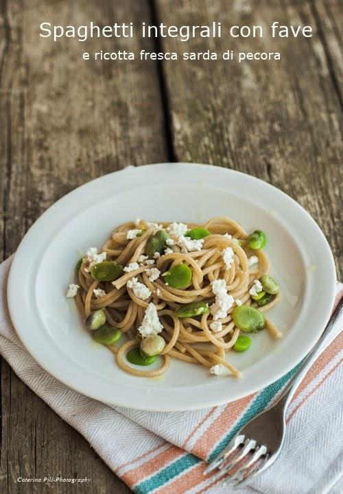 Spaghetti integrali con fave e ricotta fresca sarda di pecora
