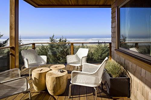 oregon coast house outdoor living area