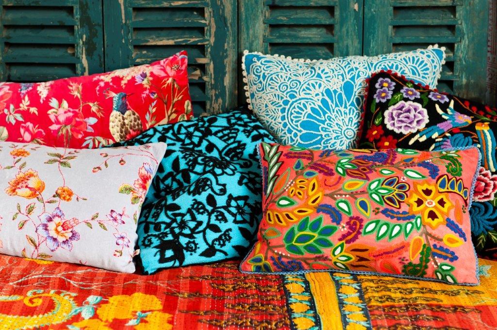 zwei gewinnerinnen ein indisches plaid portugiesische. Black Bedroom Furniture Sets. Home Design Ideas
