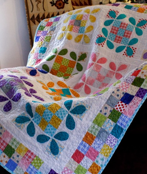 Quilting Patterns and Tutorials: Honey Bee Quilt Tutorial