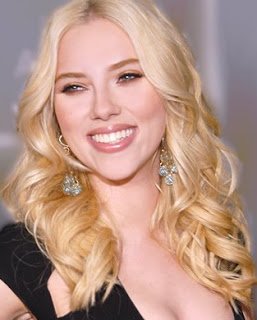 Scarlett Johansson rubia