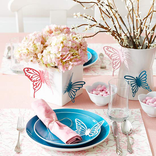 Pretty Spring Easter Table Setting via BHG, Beautiful Easter Home Decor Ideas