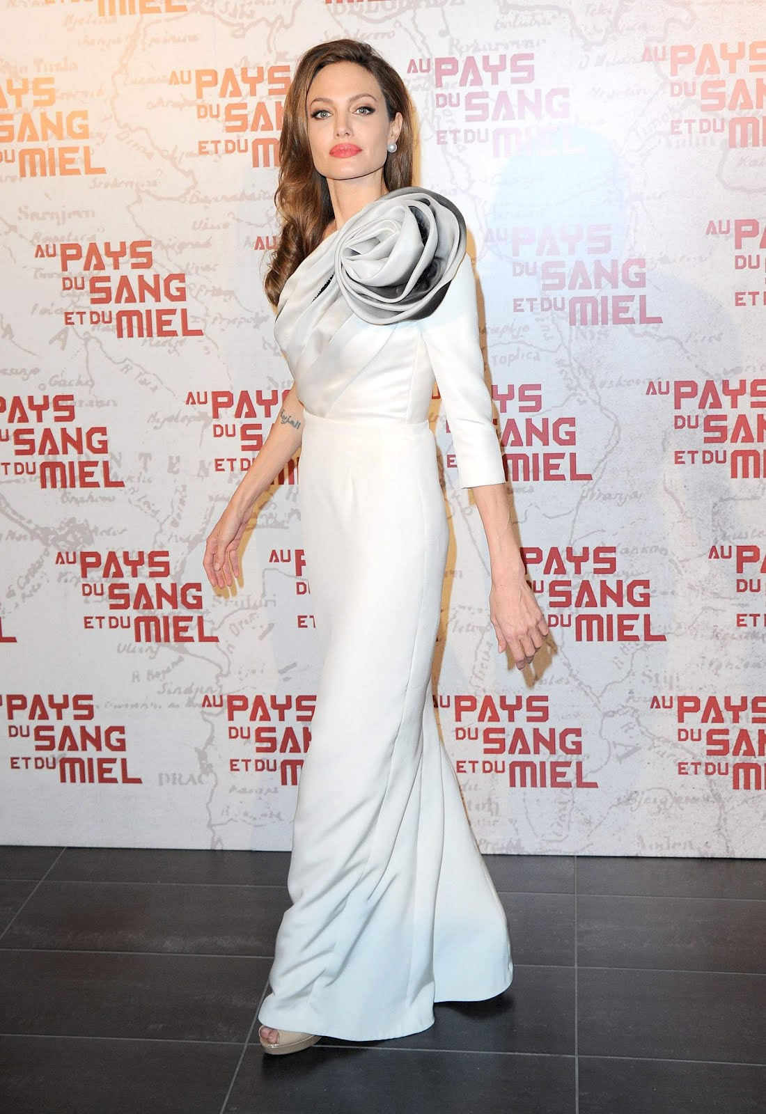 Fashion Of This Week Angelina Jolie Hot At In The Land Of Blood And Honey Premiere Photos