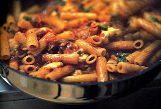 Recipe: Rigatoni with tomatoes, eggplant and mozzarella
