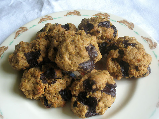 Quinoa Cookies with Dark Chocolate Chunks